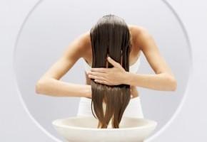 Как правильно мыть сухие волосы