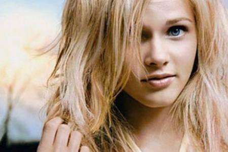 Как восстановить поврежденные утюжком волосы