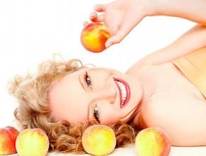 Кому помогает персиковое масло для волос
