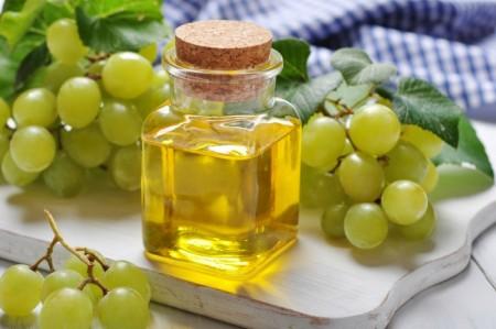 Масло из виноградных косточек: здоровье и блеск волос