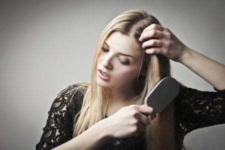 Выпадение волос с луковицей - что делать?