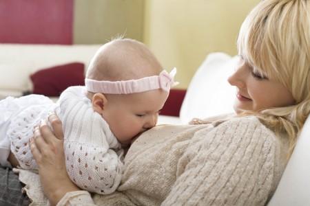 Можно ли красить волосы при грудном вскармливании: советы молодым мамам