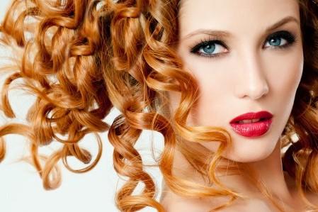 Красить волосы на чистую или грязную голову: красота без вреда